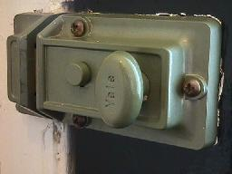 door-lock-yale-1-dhd.jpg